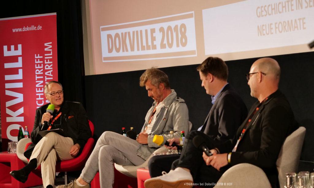 DOKVILLE 2018: Panel zum Thema »Geschichte in Serie« (© Sabine Hackenberg/HDF)