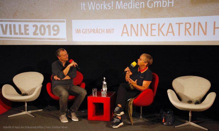 Annekatrin Hendel gewährt bei DOKVILLE 2019 Einblicke in Leben und Arbeit (Foto: Günther Ahner/HDF)
