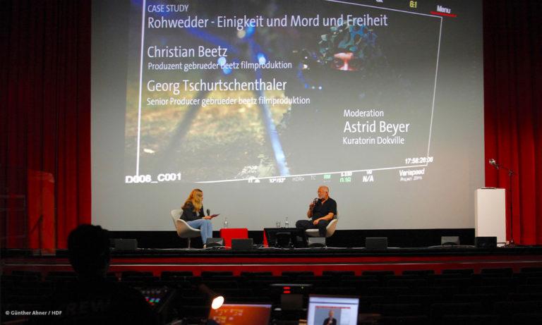 DOKVILLE-Kuratorin Astrid Beyer, Christian Beetz und Georg Tschurtschenthaler (zugeschaltet) beim Rohwedder-Panel © Günther Ahner/HDF