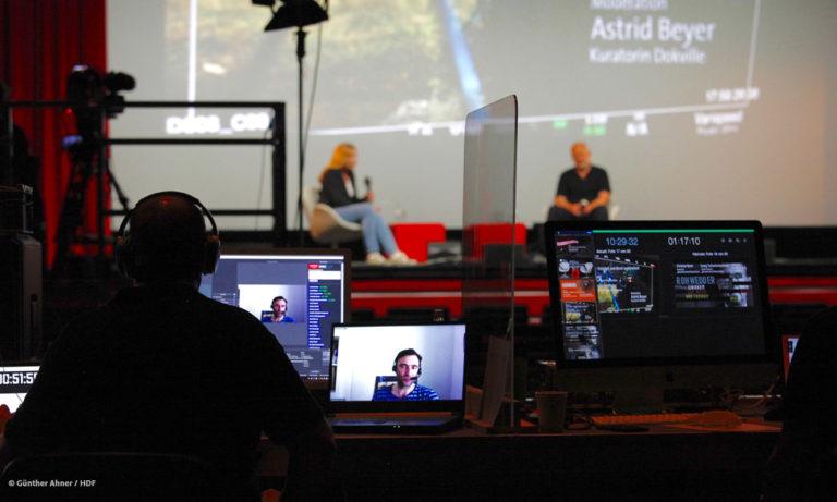 DOKVILLE-Kuratorin Astrid Beyer und Christian Beetz beim Rohwedder-Panel © Günther Ahner/HDF
