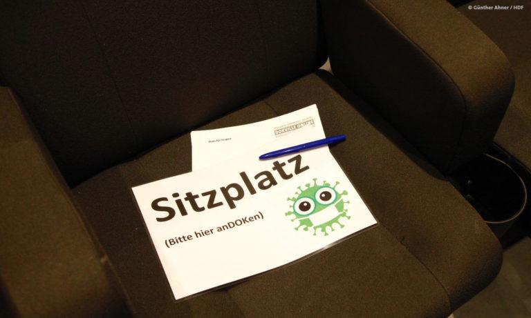 Ein corona-konformer Sitzplatz für die Teilnehmende der Panels © Günther Ahner/HDF