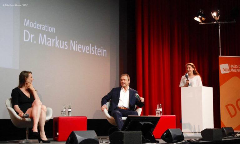Regina Boucheri, Gunnar Dedio und Chat-Moderatorin Jule Schmidt beim DOKVILLE-Panel © Günther Ahner/HDF