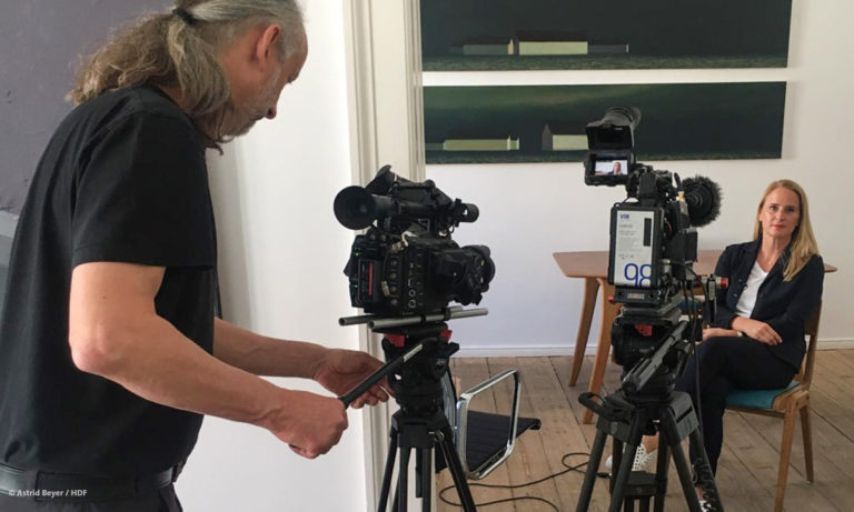 Dreh des Werkstattgesprächs mit Nicola Graef (Foto: Astrid Beyer/HDF))
